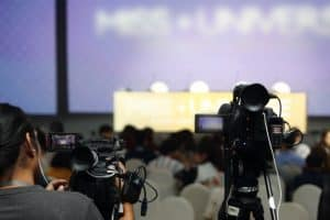 broadcasting a live conference for an online conference